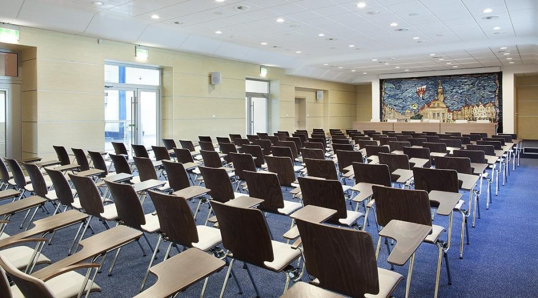 Konferensijų salės baldai