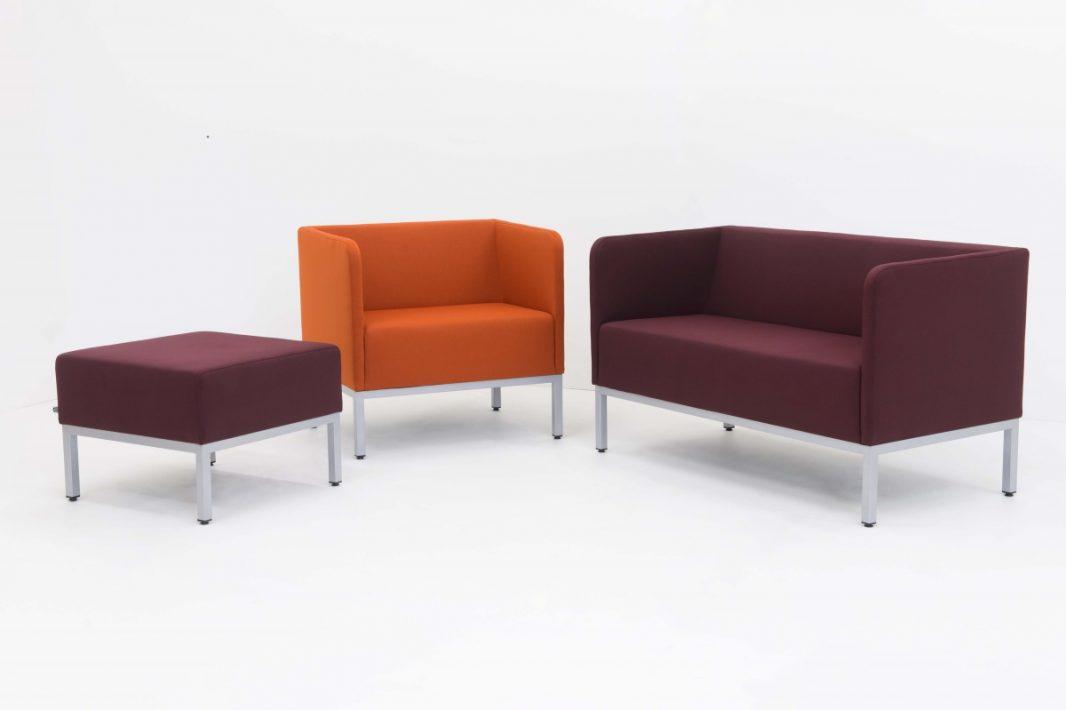 Minkštasuoliai sofos pufai biurui