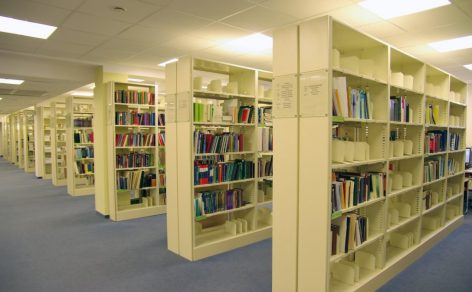 Bibliotekų baldai