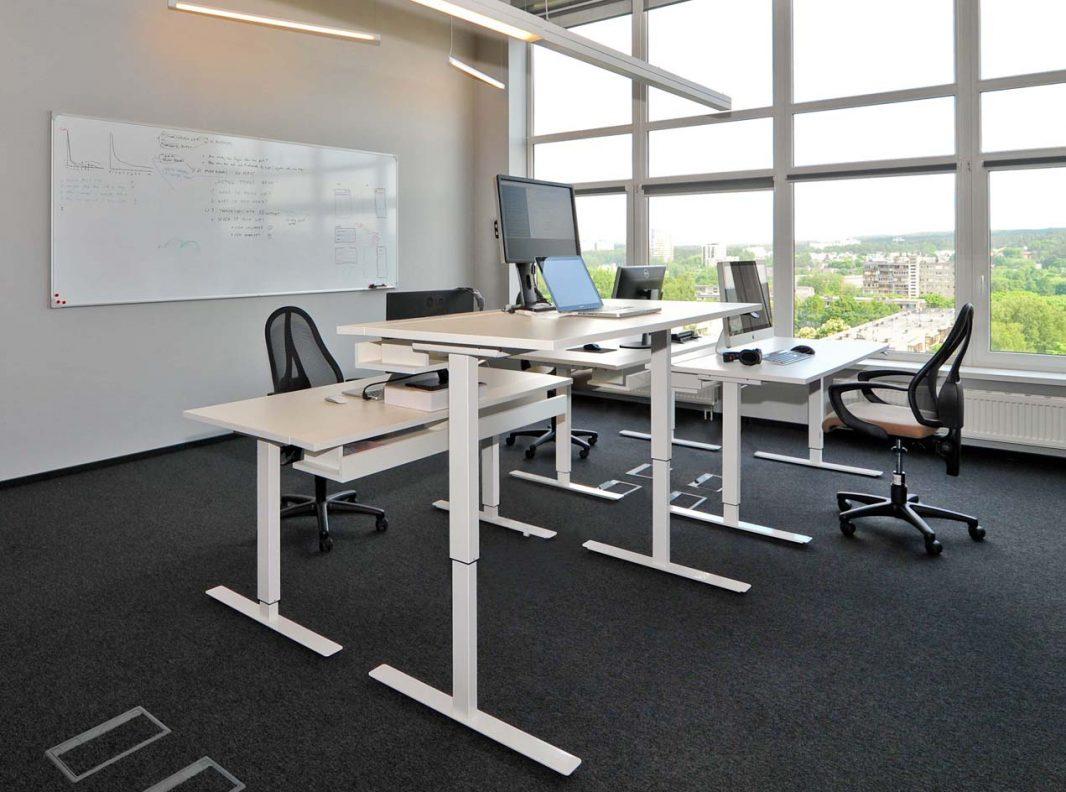 Reguliuojamo aukščio baldai